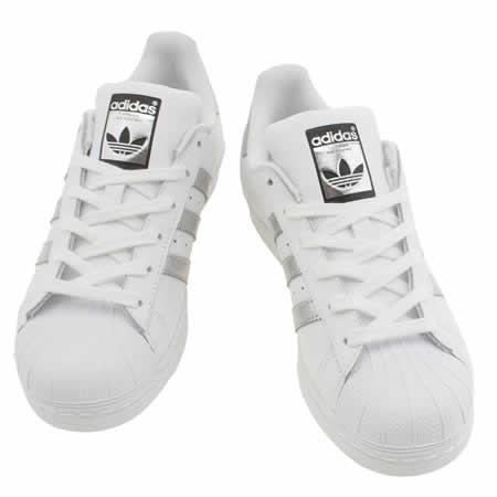 Acquistare   adidas superstar white silver - 60% OFF! Condividi lo ... 7b5ac82441f