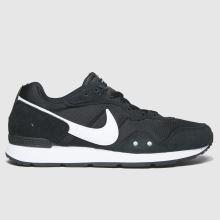Nike Venture Runner,1 of 4