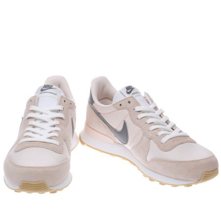 Nike Internationalist W Pale grey 4.7 15 avis