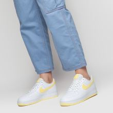99e8173d5527bb womens white & yellow nike air force 1 07 se trainers   schuh