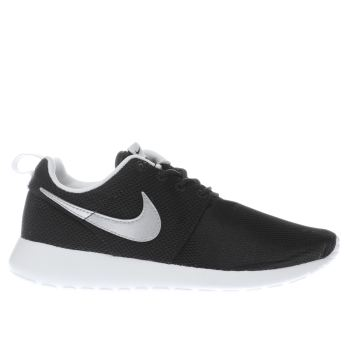 NIKE BLACK SILVER ROSHE ONE BOYS YOUTH TRAINERS