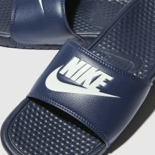 Nike Benassi Slide 1