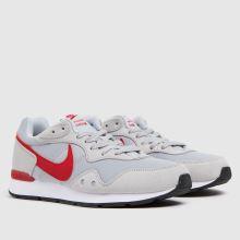 Nike Venture Runner,2 of 4