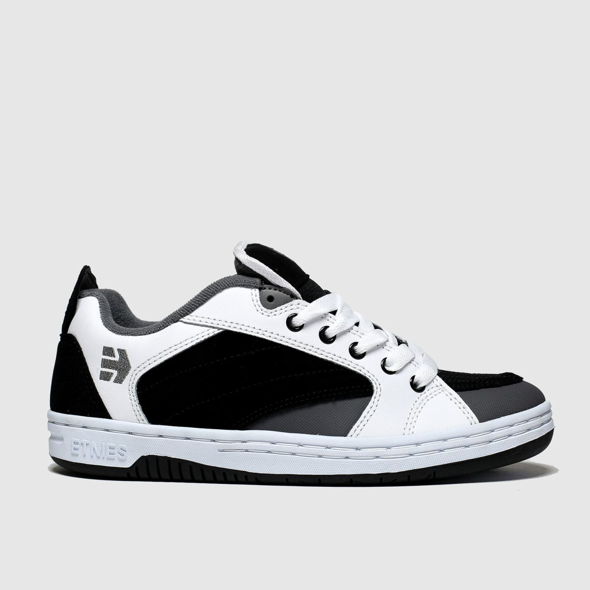 Etnies White & Black Czar Trainers