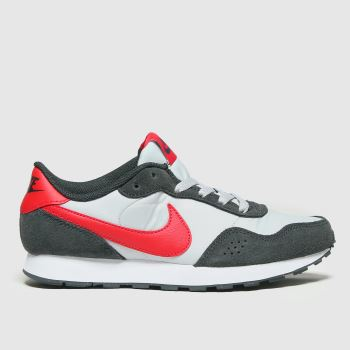 Nike Grey & Black Md Valiant Boys Youth
