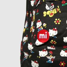 Mi Pac hello kitty x poses 1