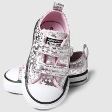 Converse All Star 2v Lo Shes A Star 1