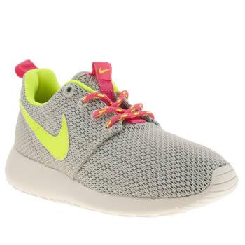05fc893a4f7275 Pink Nike Free Runs Kids